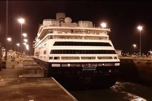 The Panama Canal facilitated this Sunday the transit of Holland America's MS Zaandam and MS Rotterdam cruise ships (Photo: Panama Canal Authority)