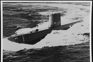 USS NAUTILUS (SSN-571) (Photo: National Archives)