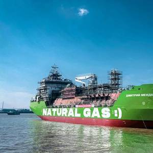 VIDEO: Gazprom Neft's New LNG-Bunkering Vessel Hits the Water