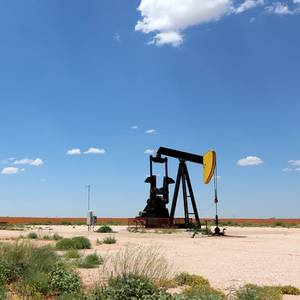 Texas Oil Drilling Permits Rose 34% in April