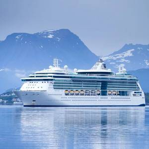 Royal Caribbean Cruises Founder Dies at 90