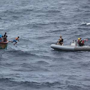 US Navy Rescues Sri Lankan Fishermen