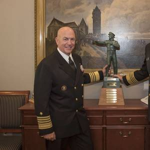 "SNA's ""Old Salt"" Award Passed to Adm. Davidson"