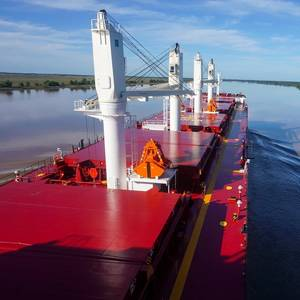 Parched Argentine River Cuts Into Grains Exports