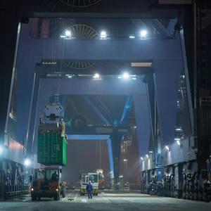 China Exports, Imports Set to Plummet
