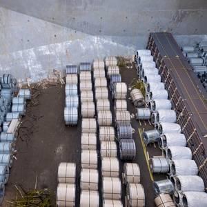 Trump to Set Hefty Tariffs on Steel, Aluminum Imports
