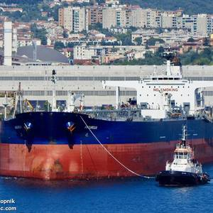 Shell Books Amoureux Tanker to Load Crude at Libya's Zueitina Port