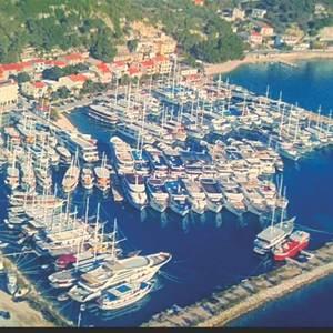 Krilo Jesenice: Village of the Cruisers