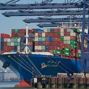 Choked Port Won't Cancel Christmas, Britain Says