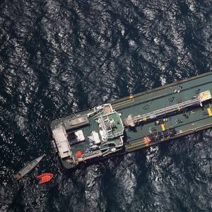 Somali Pirates Release Hijacked Ship, Crew without Ransom