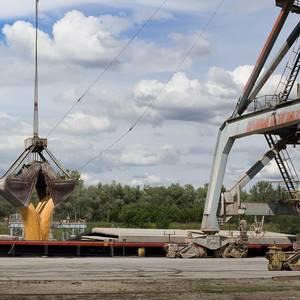 COFCO in Talks to Buy Stake in Russian Port Grain Terminal
