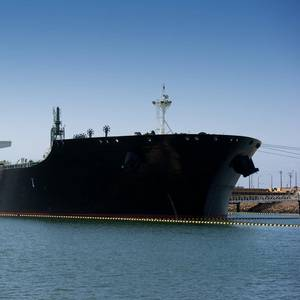 US Crude Oil Shipments to China Halt Amid Trade War