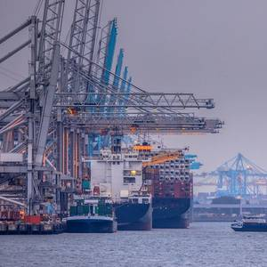 Port of Rotterdam Freight Volumes Rise 15% as Economy Recovers