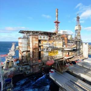 Allseas' Pioneering Spirit Removes Ninian Topsides in Final Decom Gig of 2020