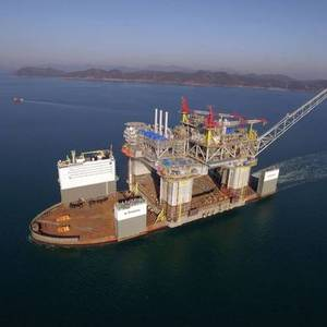 VIDEO: BP's Argos Platform Sails Away from S. Korea