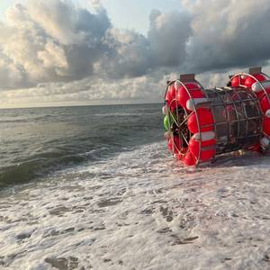 Man in Hamster-like Floating Wheel Washes Ashore in Florida after Failed Attempt to Reach New York