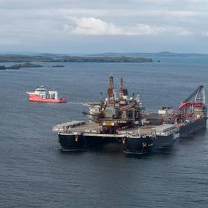 VIDEO: Pioneering Spirit Brings Ninian Northern Topside to Lerwick