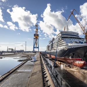 Damen Completes Refit of Cunard's Queen Elizabeth