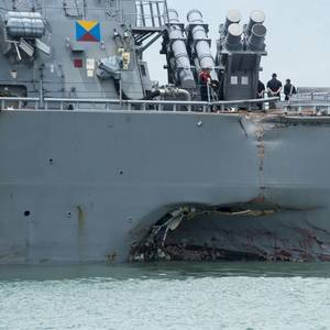 Ten Sailors Missing after US Warship, Tanker Collide