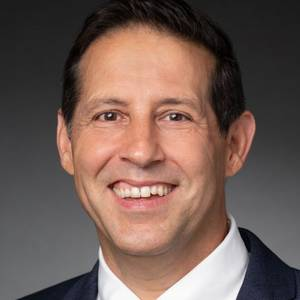 Huntington Ingalls Industries Names Hernandez Public Affairs Director