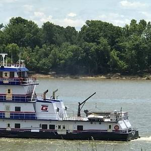 More Than 1,000 Barges Backed Up on Lower Mississippi River