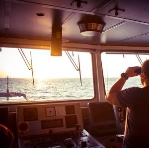 U.S.: Ships Should Keep AIS On
