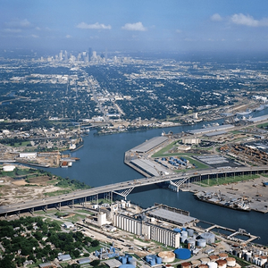 Chevron Eyes Houston Ship Channel for 2nd US Gulf Refinery