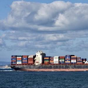 Containership Captain Charged Over Cable Strike in Australia