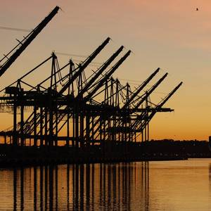March Cargo Imports Tumble at Top US Seaports