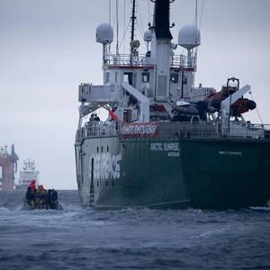 BP Rig Zigzags in Chase with Greenpeace Ship