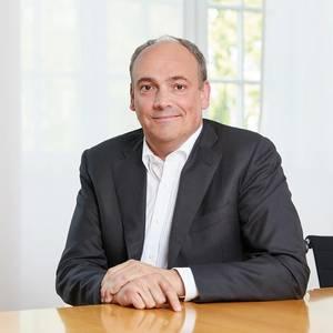 Hapag-Lloyd Splits EU Ops into Two Regions