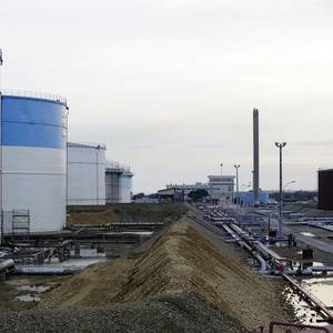 Workers at Port Jerome and Fos Refineries on Strike
