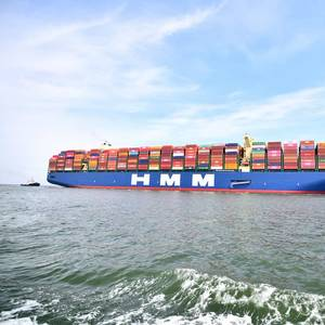 World's Largest Containership Makes Its First Call in Europe