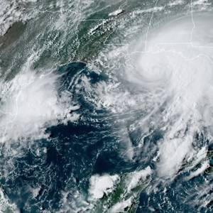 Offshore Oil Wells, Ports Shut as Hurricane Sally Advances on U.S. Gulf
