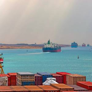 Suez Canal Traffic Not Affected by Tanker's Engine Failure