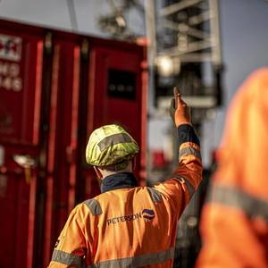 Shell, Peterson Extend Lowestoft Base Contract