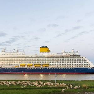 Spirit of Discovery Completes Ems Conveyance