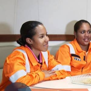 All-Female Crew Sails Waters in Latin America