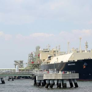 Total Signs MoU on LNG Project