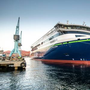 'Plug-in' Hybrid Ship Launched