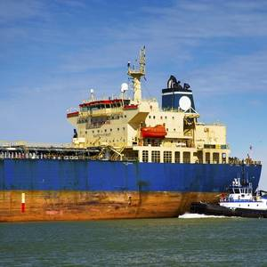 Oil Output, Vessel Traffic Halted as Nicholas Lashes Texas