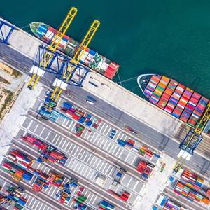 Seaspan Orders Another Six Containerships