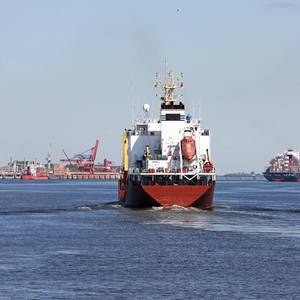 Shipping Fuel Costs to Spike 25% on Sulphur Cap