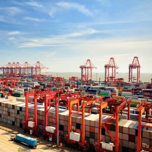 Chinese Exports Accelerate Even as Trade War Escalates