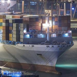 Seaspan Orders Six More Containerships