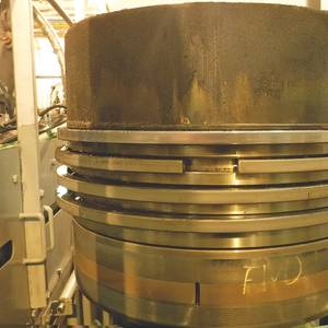 Cylinder Oil Prevents Detergency Deposit Build-Up