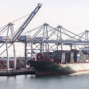 US Trade Deficit Narrows for First Time in Six Years