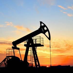 Saudi, Russia Closing in on Record Oil Cut Deal