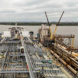 Baton Rouge, New Orleans Ports Reopen After Ida, Key Oil Hubs Remain Shut