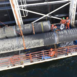 Nord Stream 2 Warns of Security Risks to Pipeline from Warships, Low-flying Planes